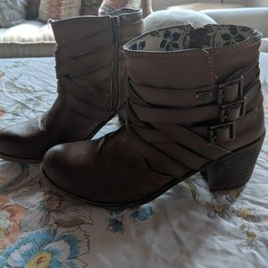 Roxy | brown leather boots buckles and heel
